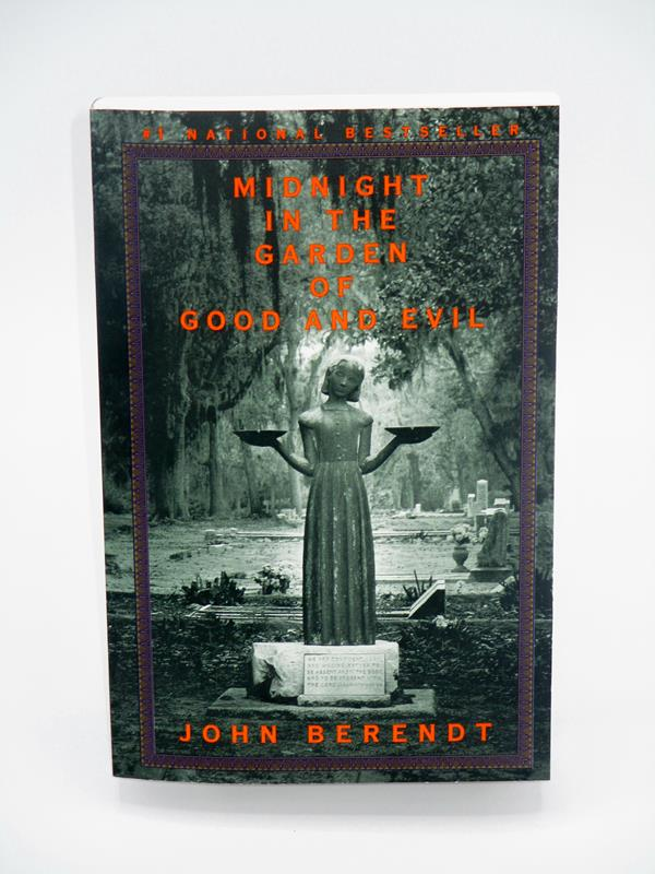 Midnight in the Garden of Good and Evil Paperback Book,0-679-75152-1